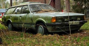 old car abandonded