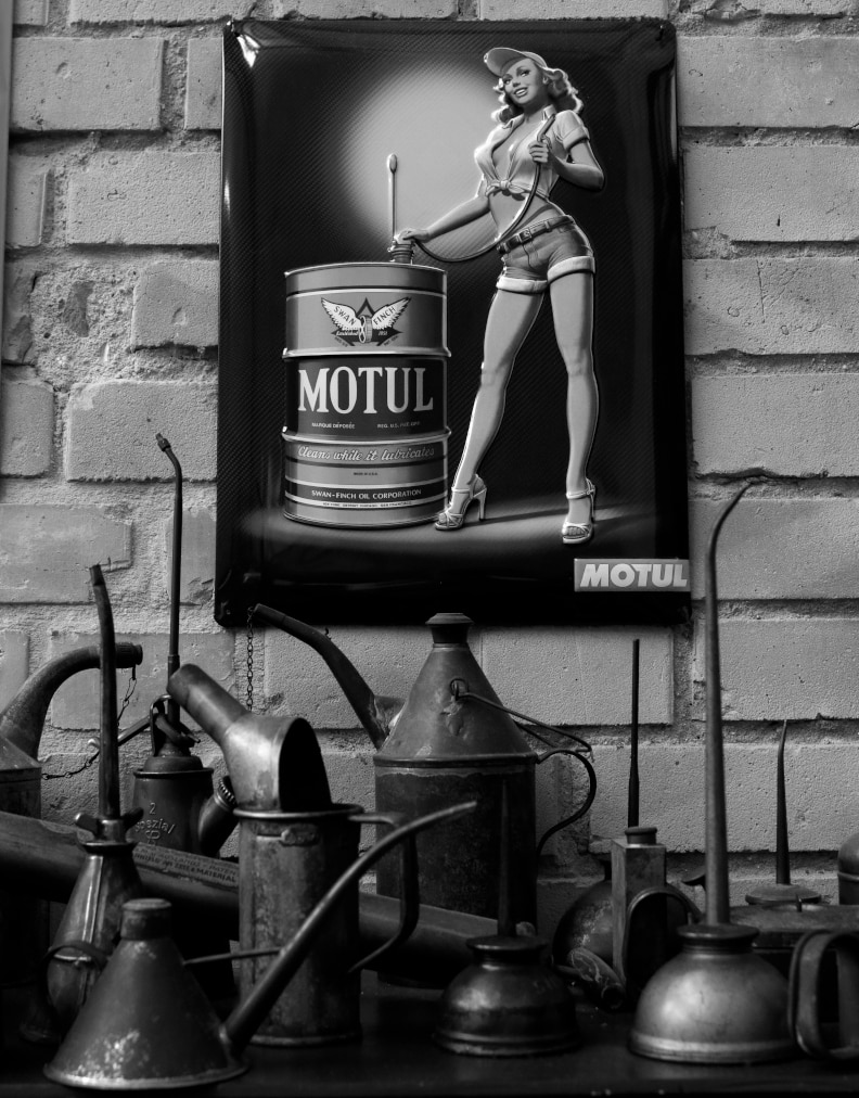 vintage motul oil garage