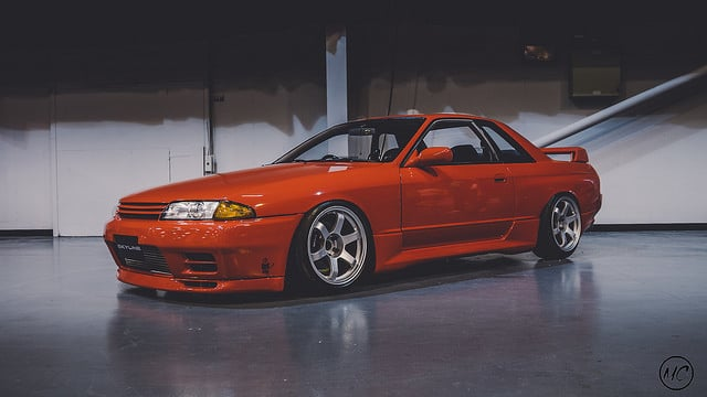 red skyline r32 stanced