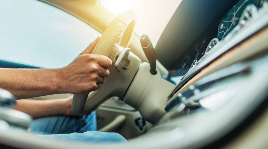 Warning Signs That The Control Arm Is Damaged